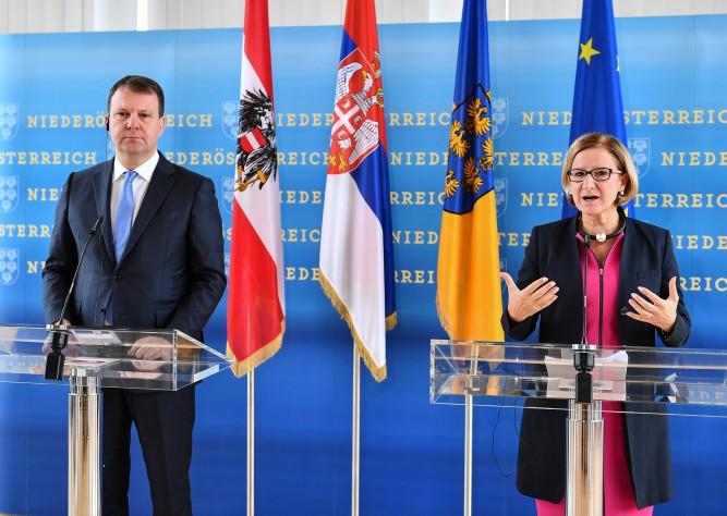 LH Mikl-Leitner führte Arbeitsgespräch mit dem Ministerpräsidenten von Vojvodina