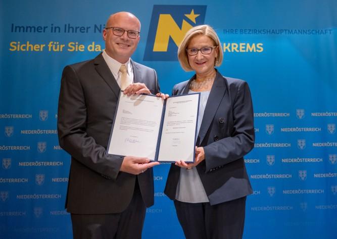 Amtsübergabe an der Bezirkshauptmannschaft Krems